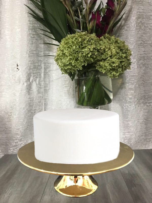 """This moist, A single tiered cake comes in 8"""", 9"""", 10"""" & 12"""" ."""